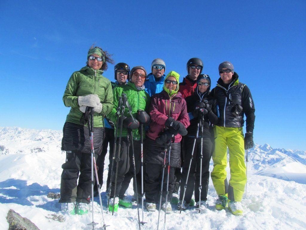 Glückliche Schitourengeher bei herrlichem Wetter auf dem Madrisahorn 2826 m