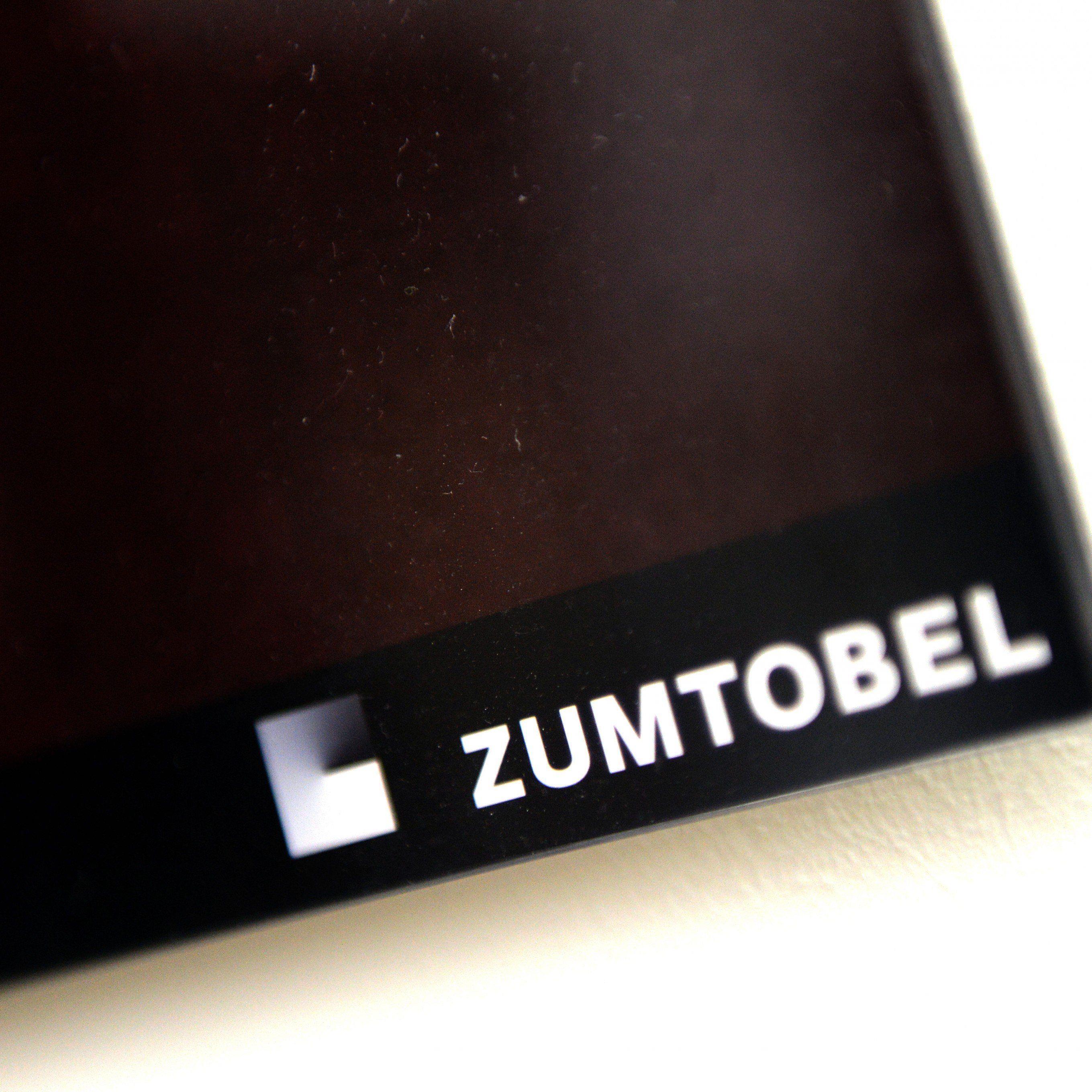 Zumtobel verlegt sein Fertigwarenlager nach Deutschland.