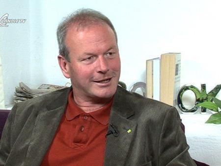 Symbolbild: Bgm. Christian Loacker informiert über die kritische Entwicklung der Nahversorgung amKumma.