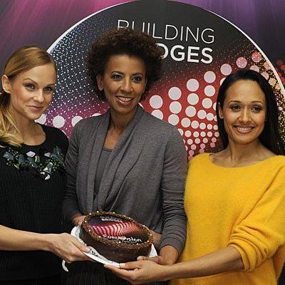 Eurovision Song Contest -Moderatorinnen Mirjam Weichselbraun, Arabella Kiesbauer und Alice Tumler vor Beginn der Interviewrunde am Donnerstag
