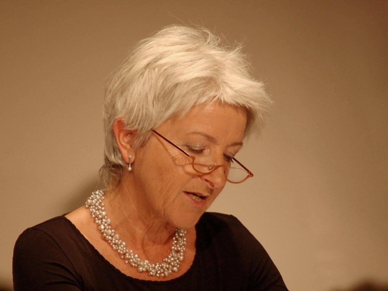 Bernarda Gisinger liest Geschichten zum Lächeln und Weinen!