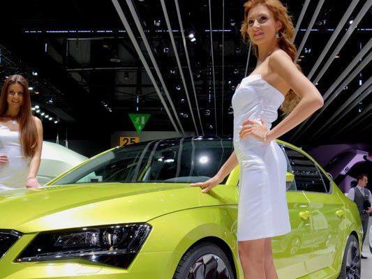 Die Car Babes vom Genfer Autosalon 2015