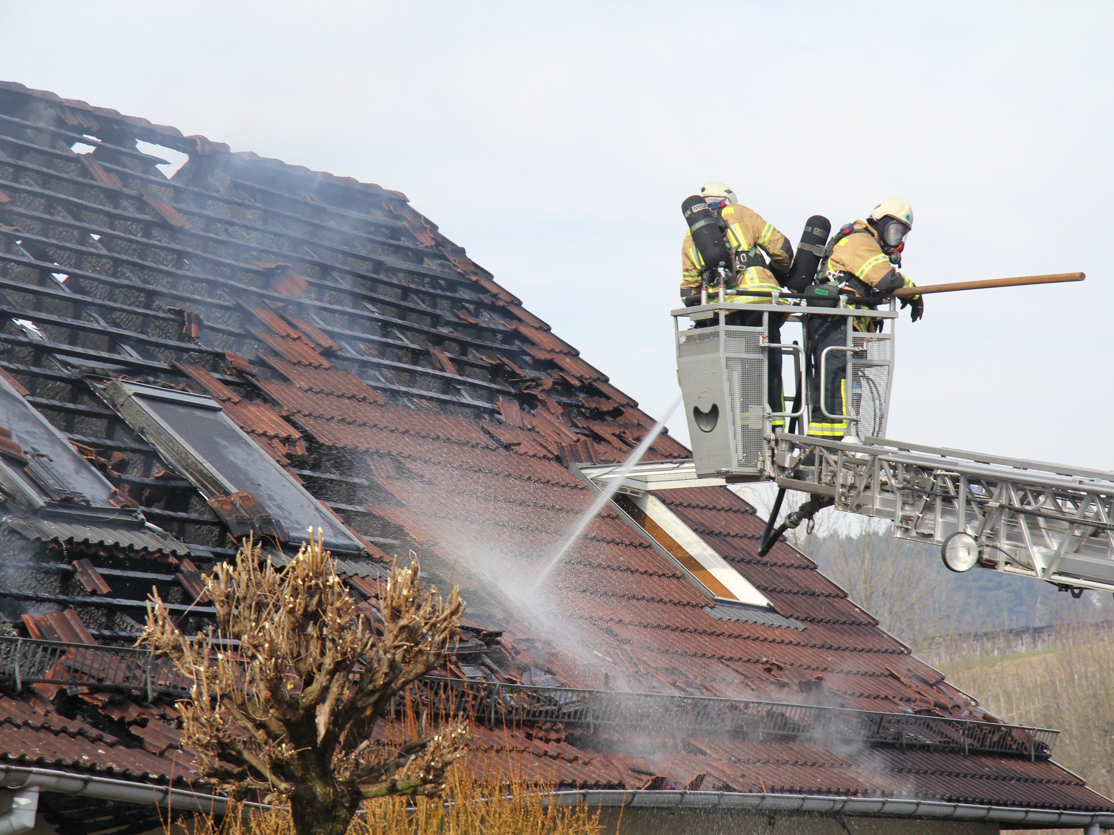 Dachstuhl eines Wohnholzes in Bodolz in Brand geraten.
