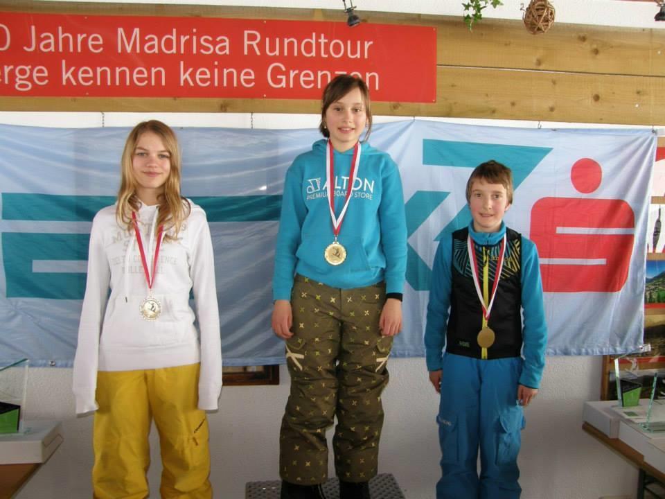 Nach dem Landesmeister in Ski Alpin holten sich die Sportmittelschüler auch den Landesmeister im Snowboardcorss.