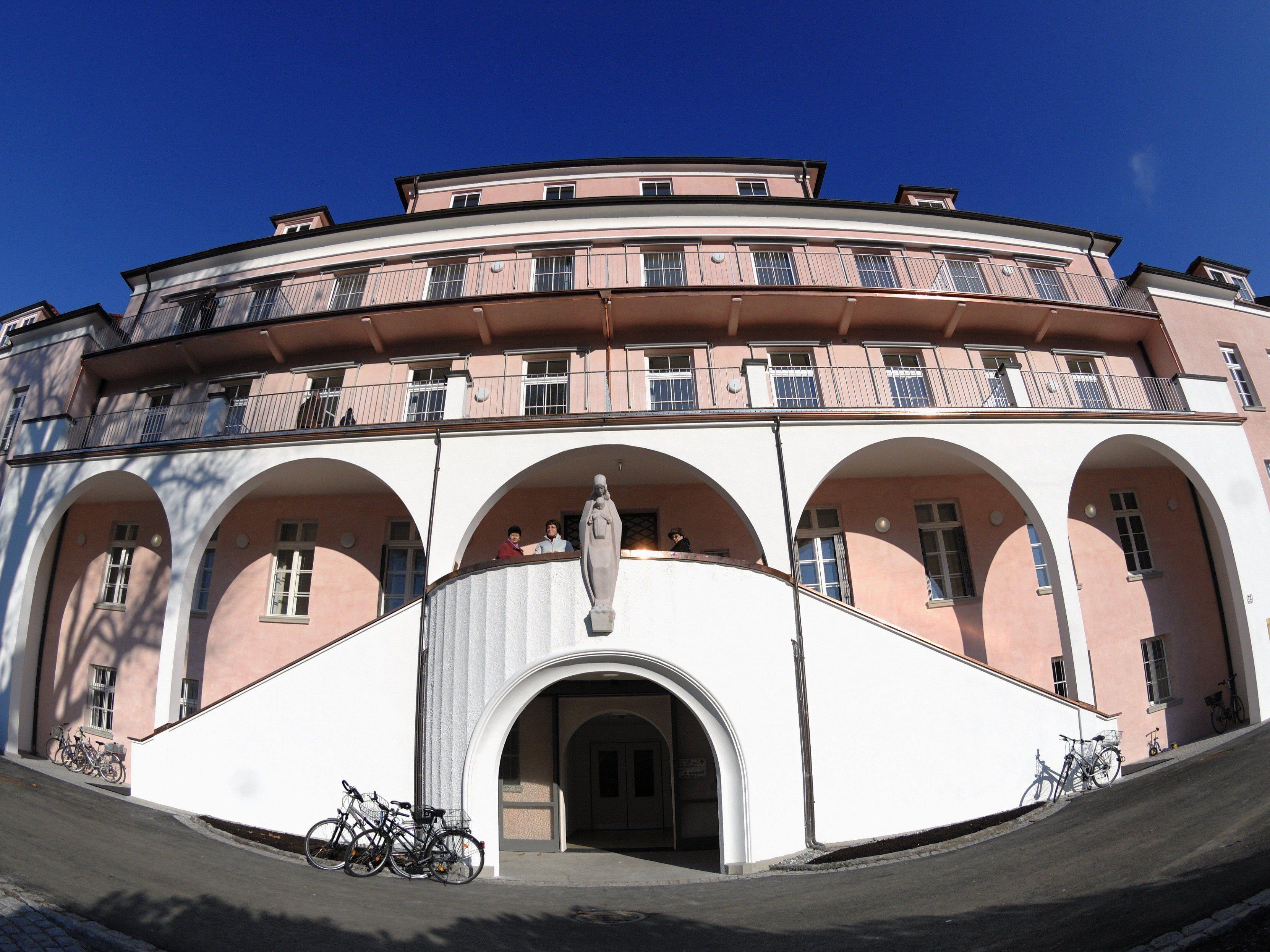 Das Sanatorium Mehrerau war vor allem bei Patienten sehr beliebt. Angeblich soll es aber in der jetzigen Form nicht mehr zeitgemäß sein.