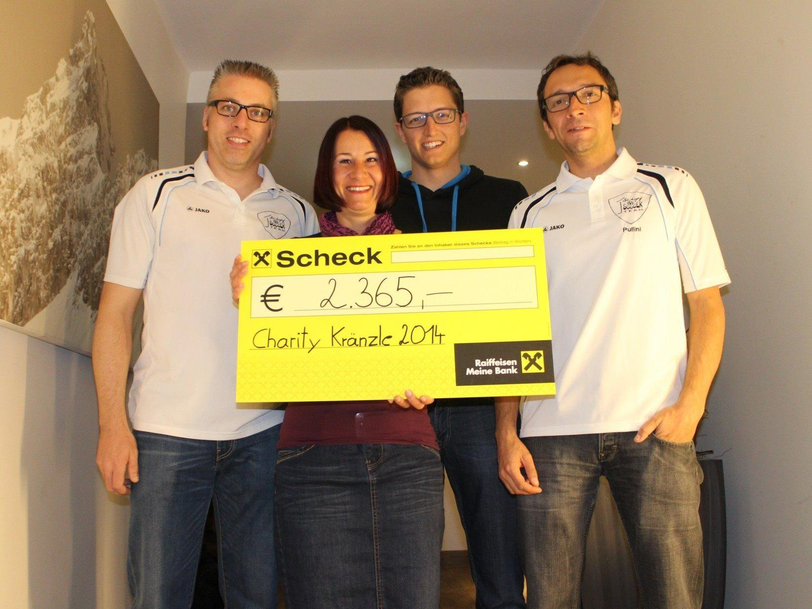 """""""First Schopf Soccer Team"""" spendet € 2.365 für die große Bluttypisierungsaktion im April."""