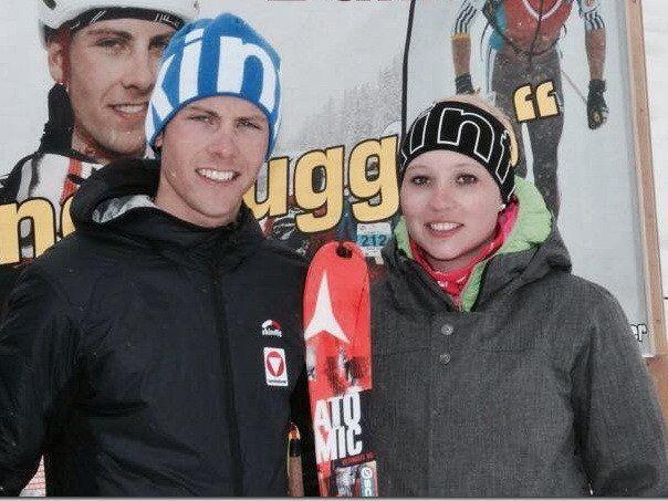 Jacqueline Ritsch gratuliert Daniel Zugg zum ersten Podestplatz im Weltcup.