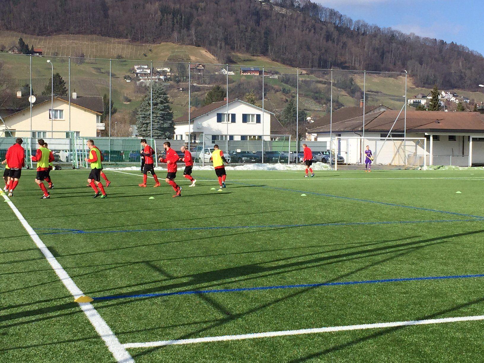 Das Aufwärmen für die Rückrunde ist beim FC Mäder in vollem Gange.