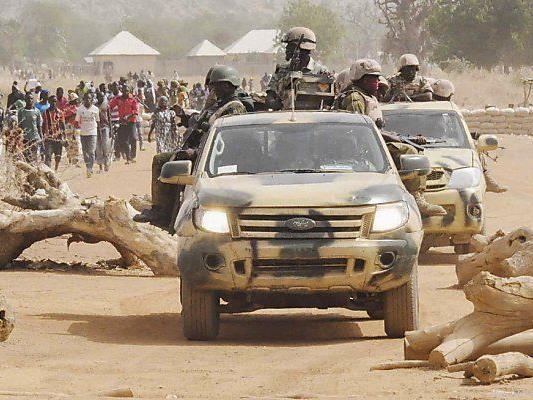Truppen drängen Anhänger von Boko Haram zurück.