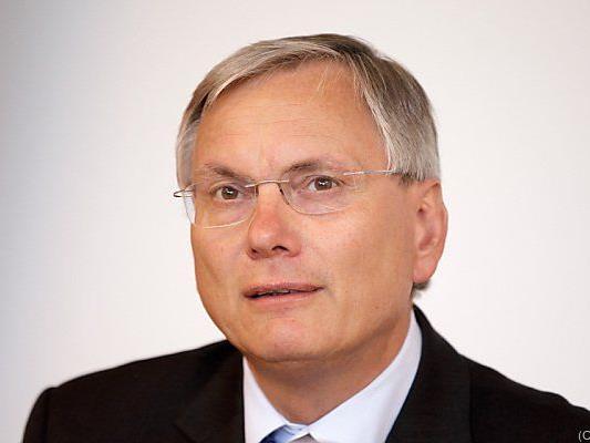 Alois Stöger gegen Mikl-Leitners Pläne zur Vorratsdatenspeicherung