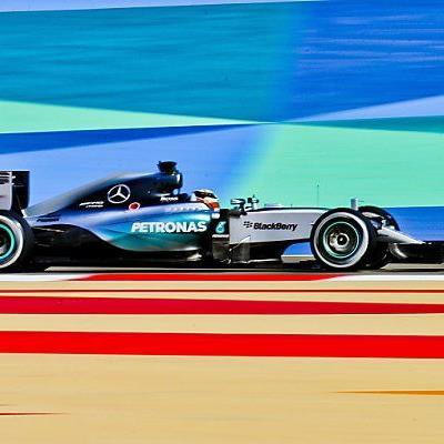 Lewis Hamiton gewann Qualifying in Bahrain überlegen
