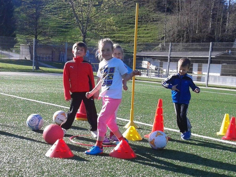Die Bewegungsschule des FC Hittisau kommt bei den Kids sehr gut an.