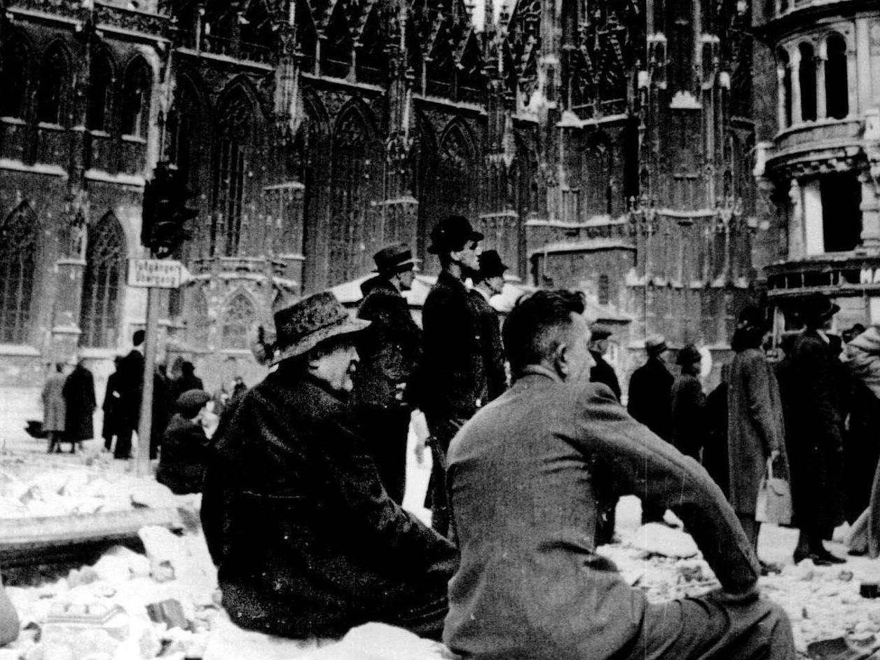 Eine Chornologie zu Wien im 2. Weltkrieg.