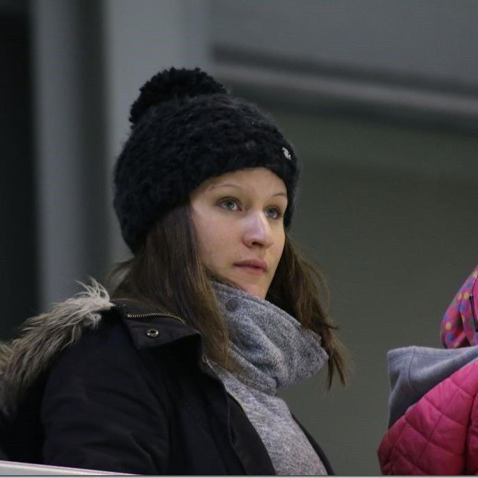 Eva Beiter spielt für Österreichs Eishockey Nationalteam in Frankreich.