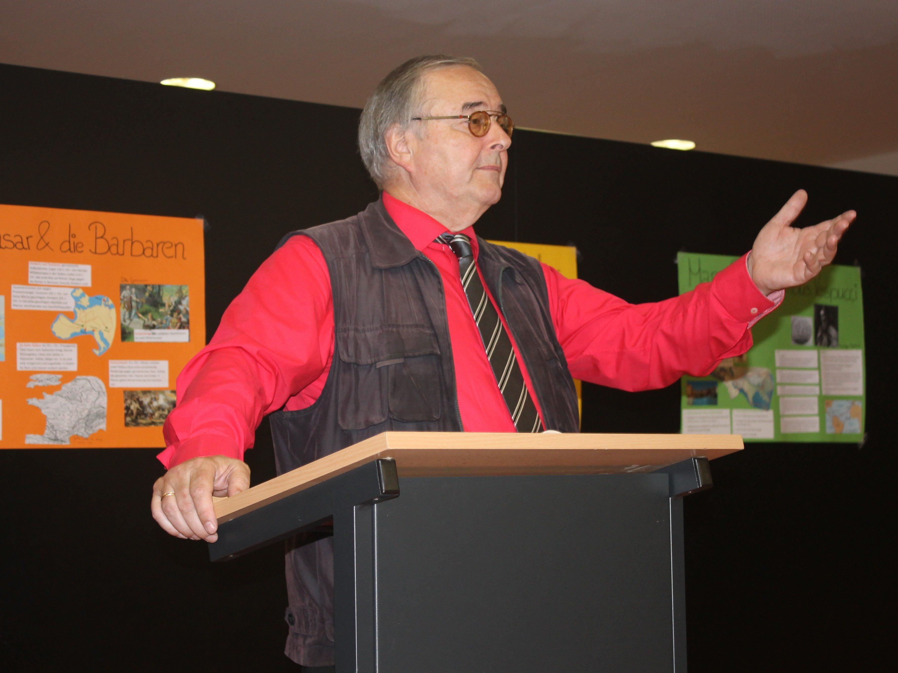 aEU-Abg Herbert Bösch (SPÖ) am 17.4.15 in der Aula des Gymnasiums Bregenz-Blumenstraße