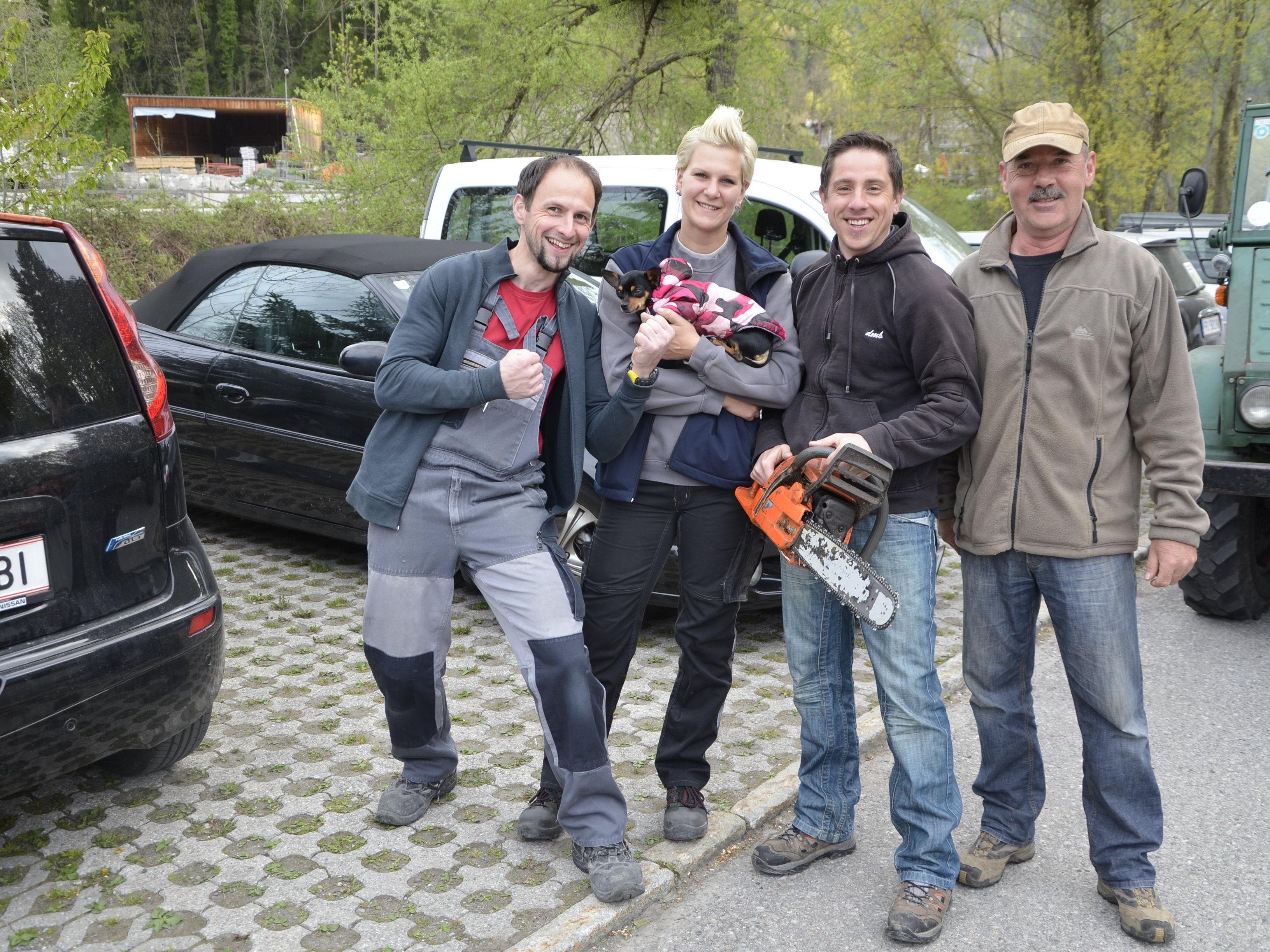 Viele   Helfer waren beim Freiwilligentag in Zwischenwasser im Einsatz.