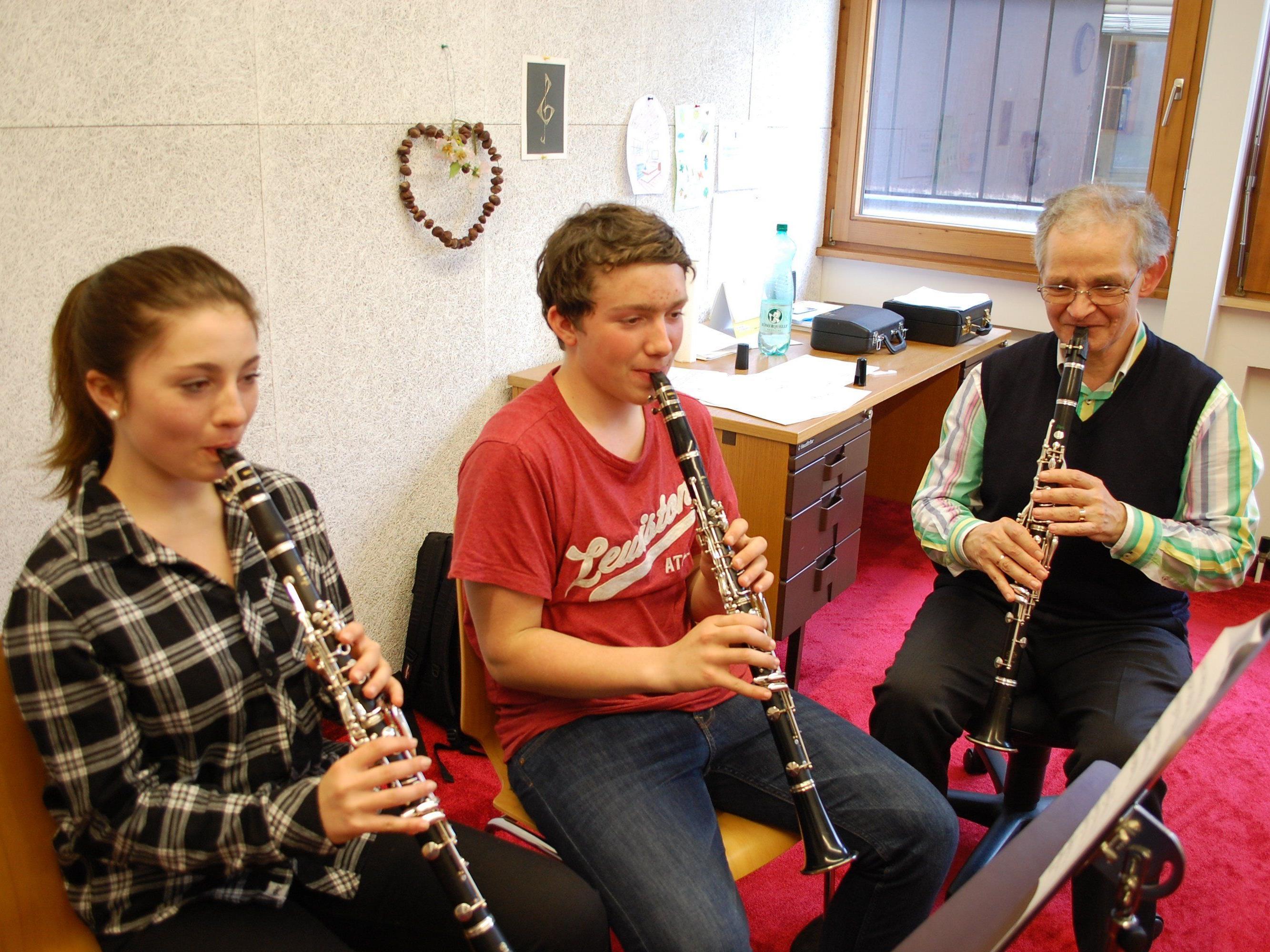 Zahlreiche Musikschüler gaben eine Kostprobe ihres Könnens.
