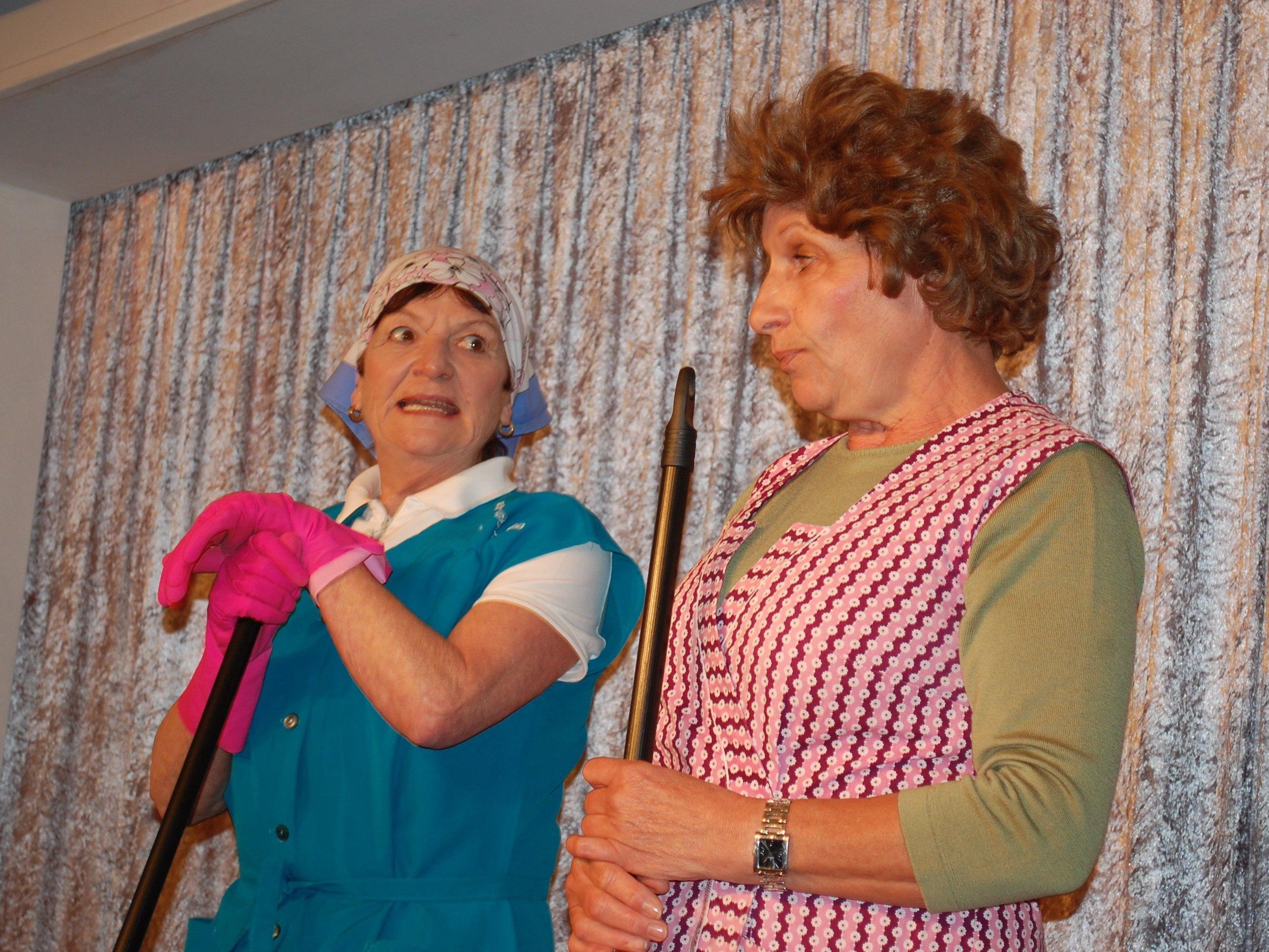 Als Frau Wimmer brillierte Annelies Bitschnau bei der Premiere.