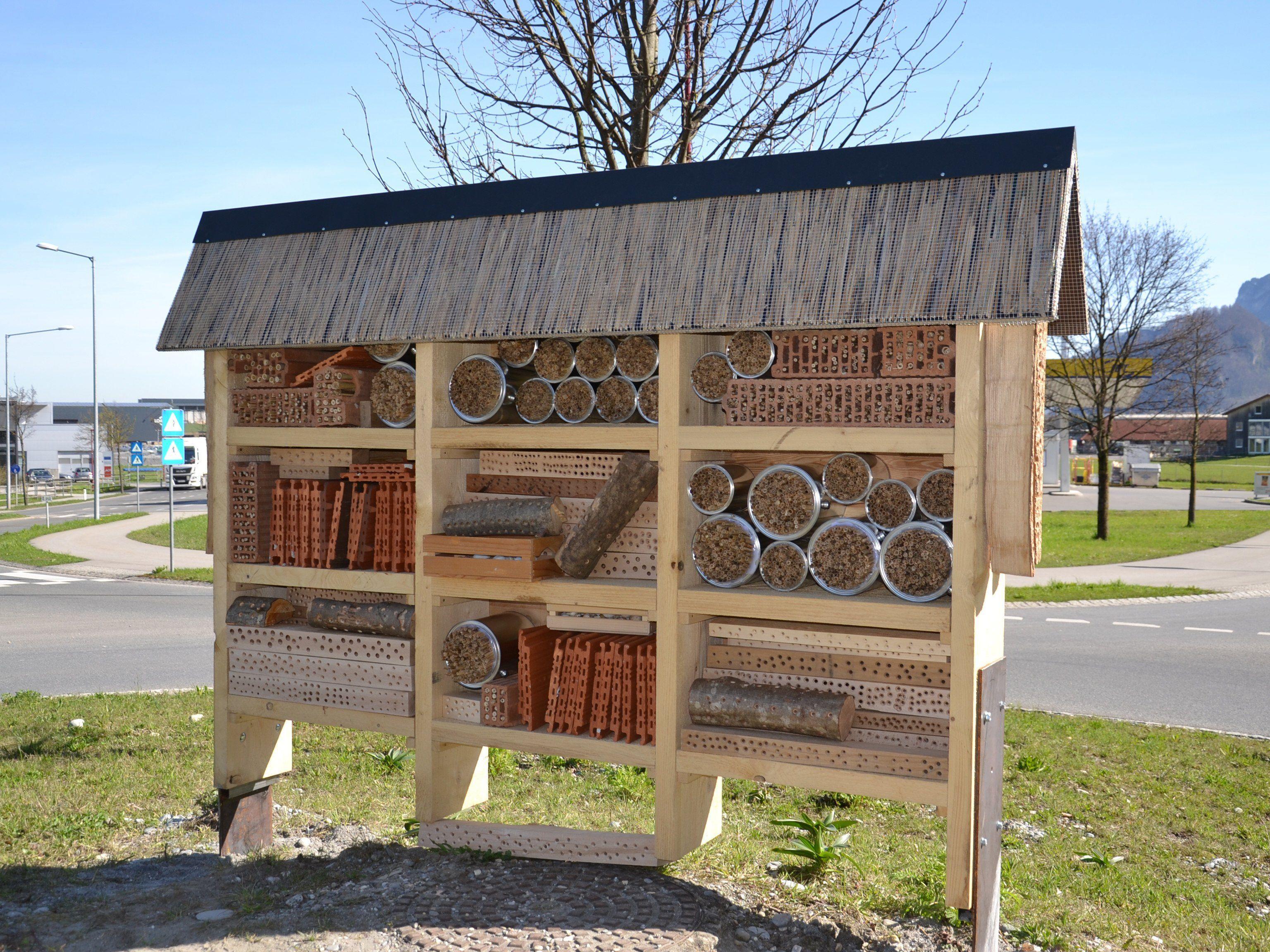 """Das Wildbienenhotel ist fertig und steht zum """"Einzug"""" bereit"""