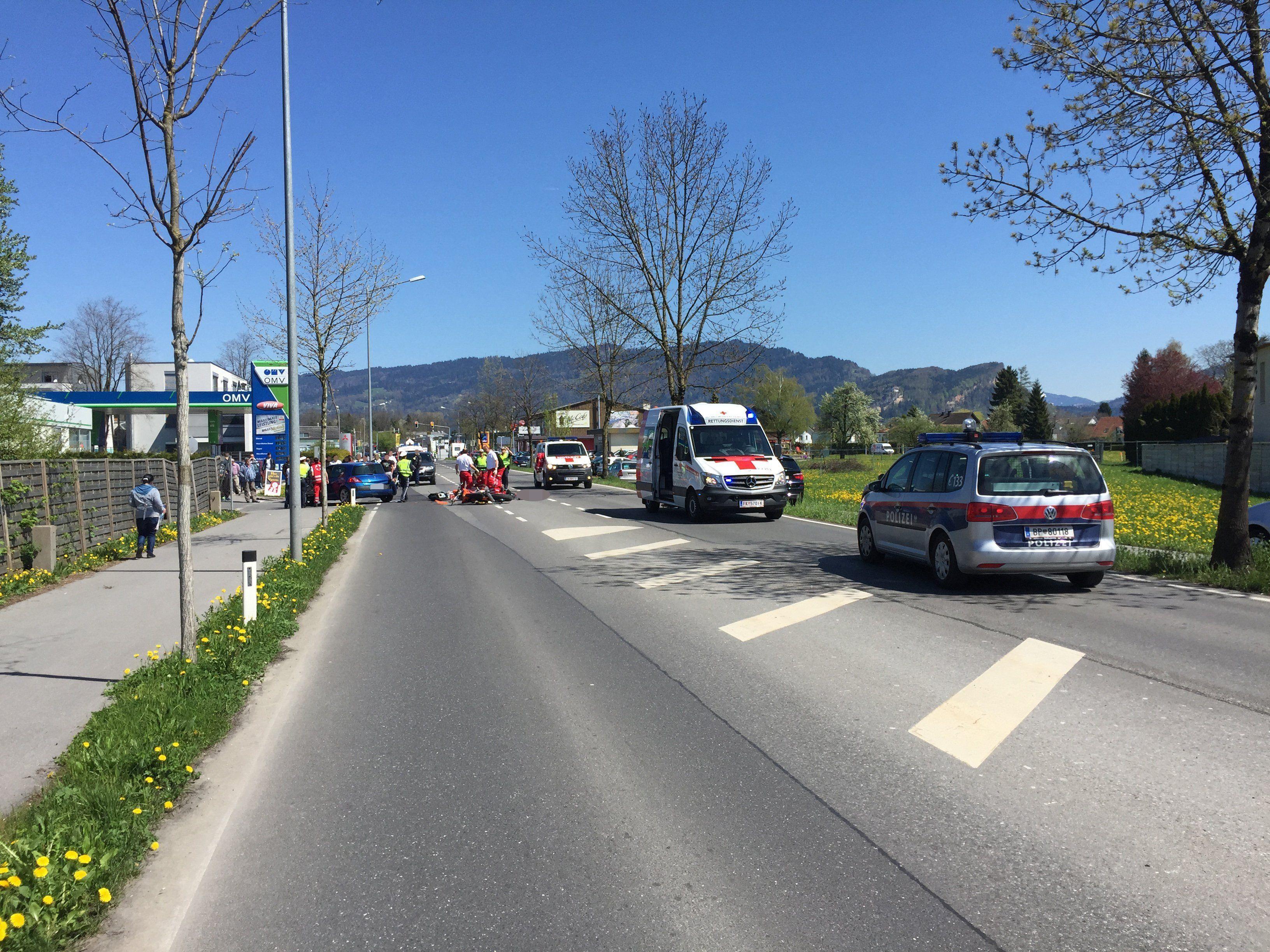 Schwerer Verkehrsunfall in Hard.
