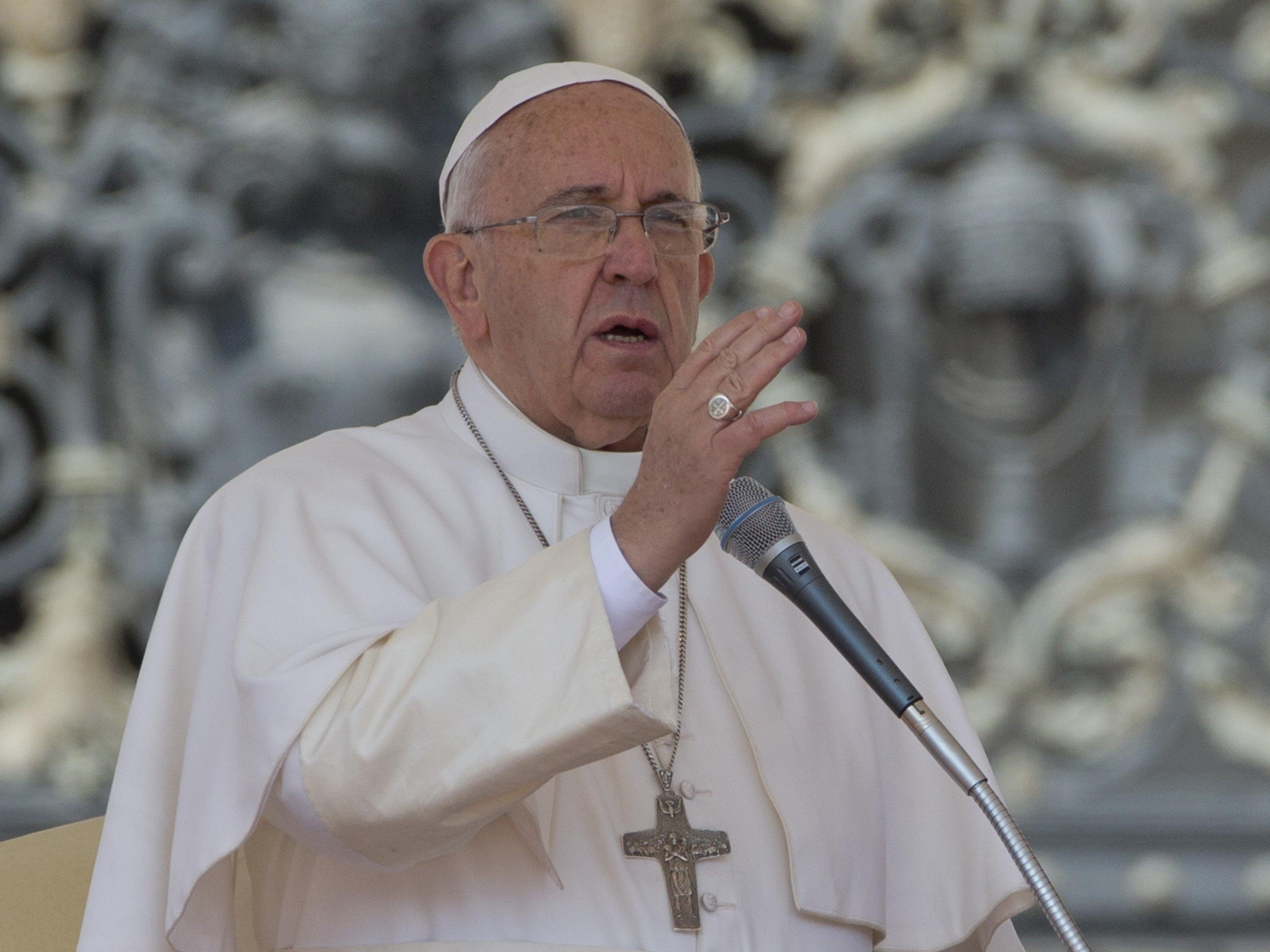 Papst Franziskus sagt die heutige Kultur habe Angst vor Geschlechtsunterschieden.