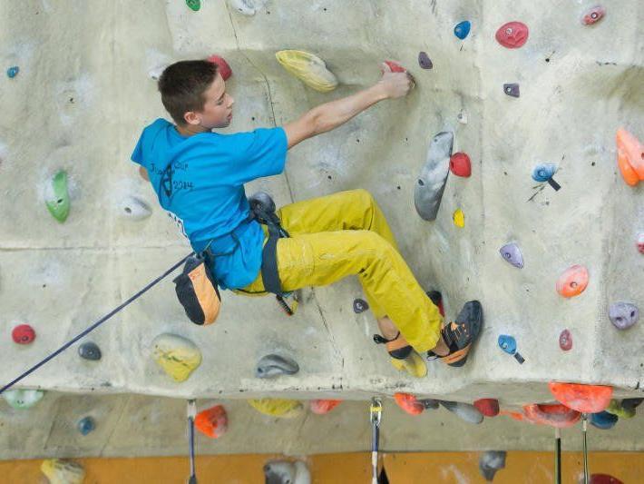 Laurin Meusburger klettert an die Spitze
