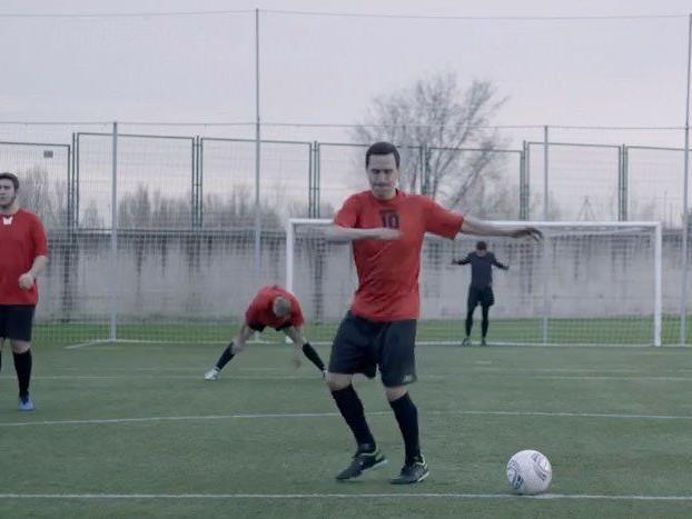 Wer Fußball spielen kann, der kann auch tanzen.