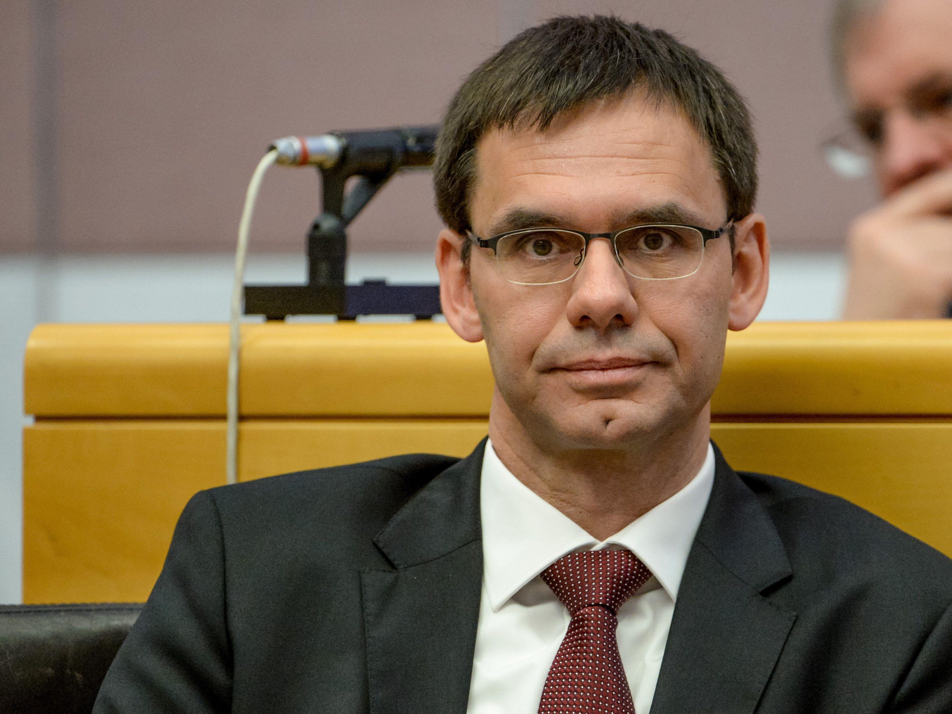 """Markus Wallner setzt sich derzeit bei der Vollversammlung des """"Ausschusses der Regionen"""" mit dem Europäischen Fonds auseinander."""