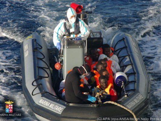 Italien hat direkt mit dem Flüchtlingsansturm zu kämpfen