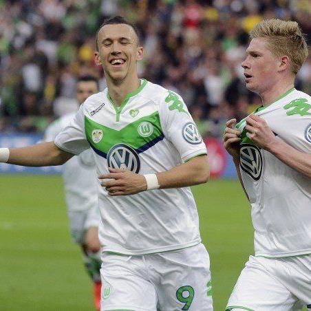 Wolfsburger Jubel über den Pokal-Erfolg gegen Dortmund.