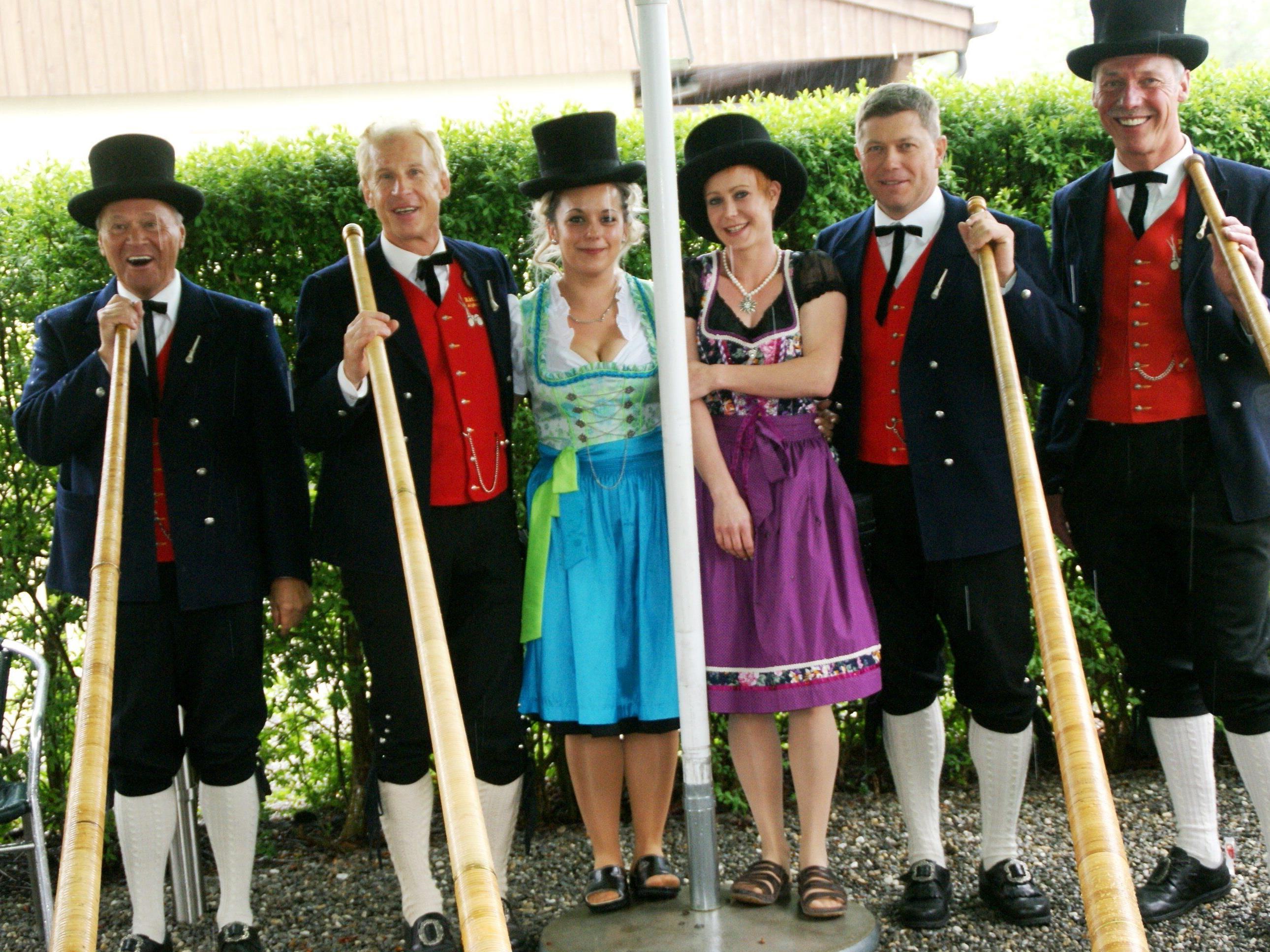 Mit Alphorn und HGH wurde in den Mai gefeiert