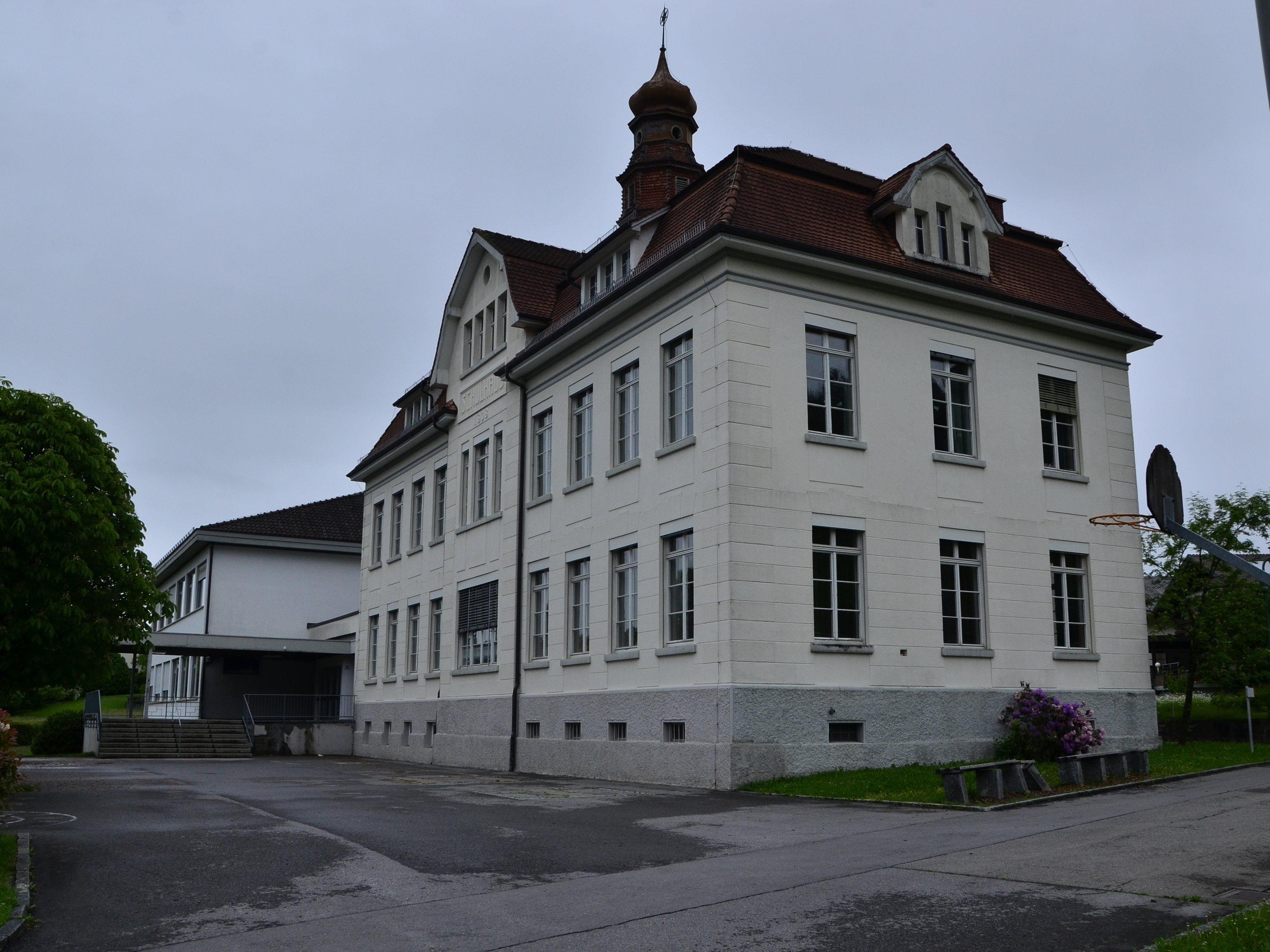 Die Röthner Volksschule wird generalsaniert und erweitert.
