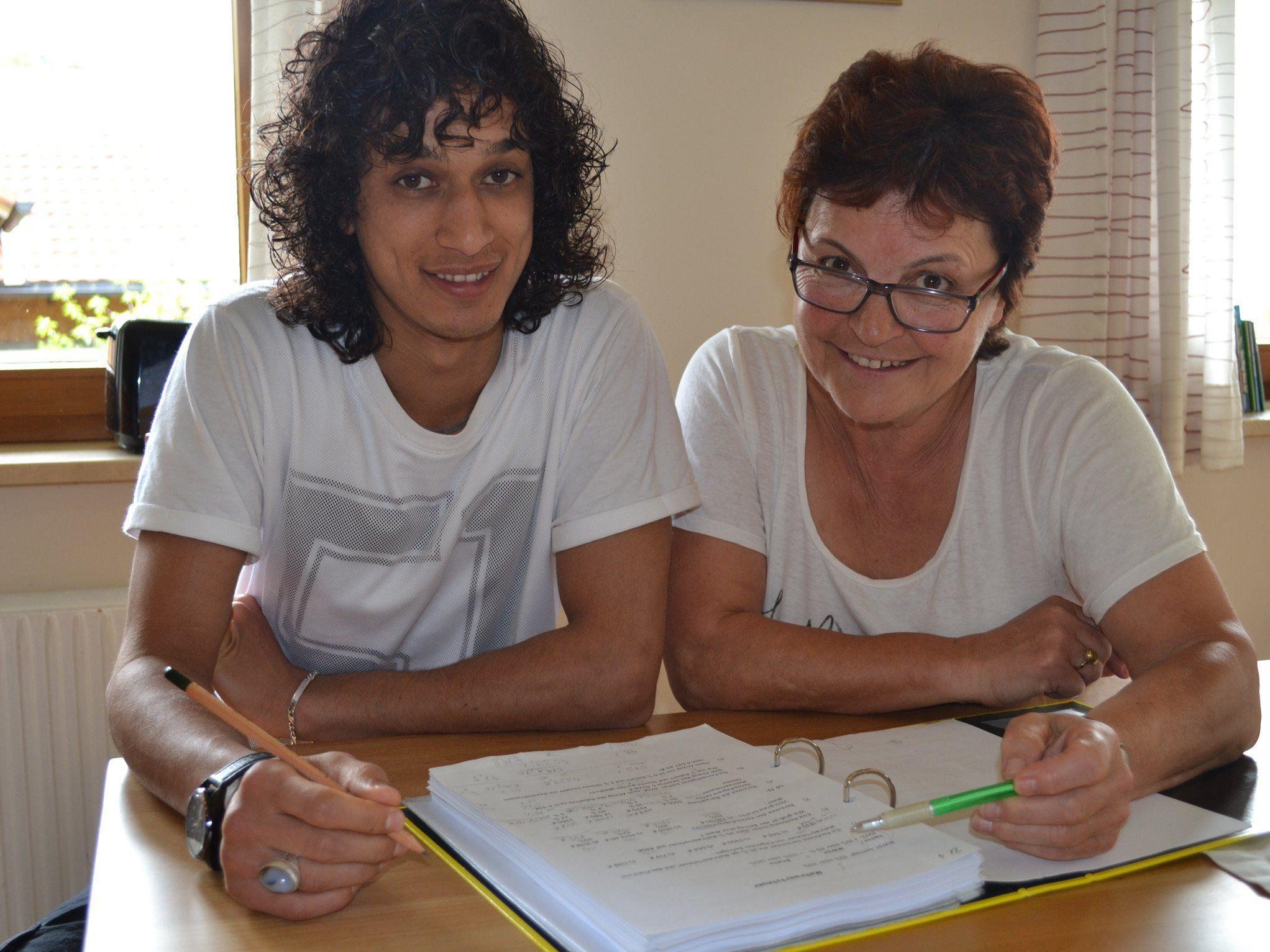 Nasrat Sediqui und Katharina Troy.