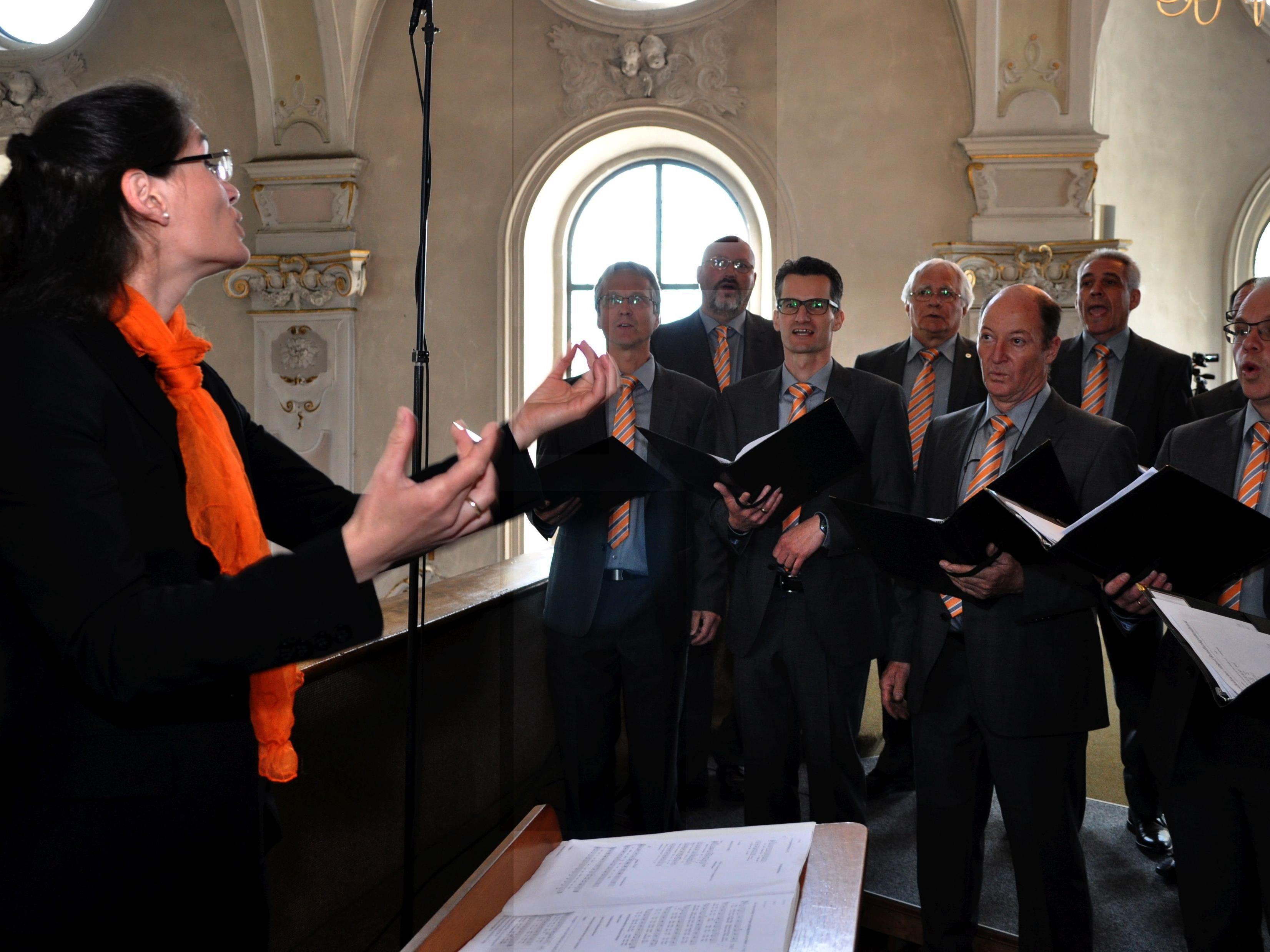 """ORF-Messe des Männerchor """"Frohsinn Koblach"""" unter Leitung von Angelika Kopf-Lebar!"""