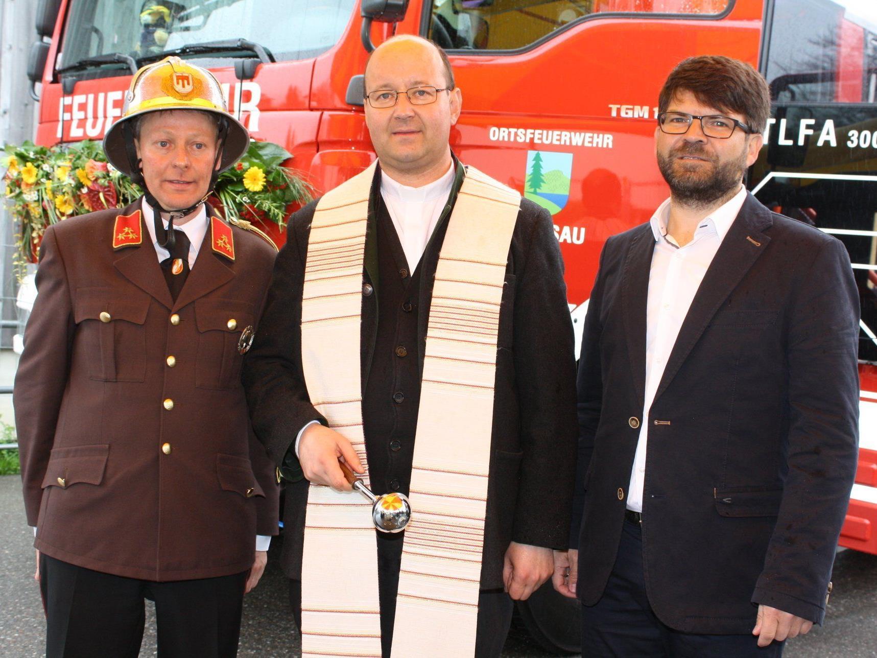 Kommandant Hans Grabher, Pfarrer Hubert Ratz und Bgm. Gerhard Beer.