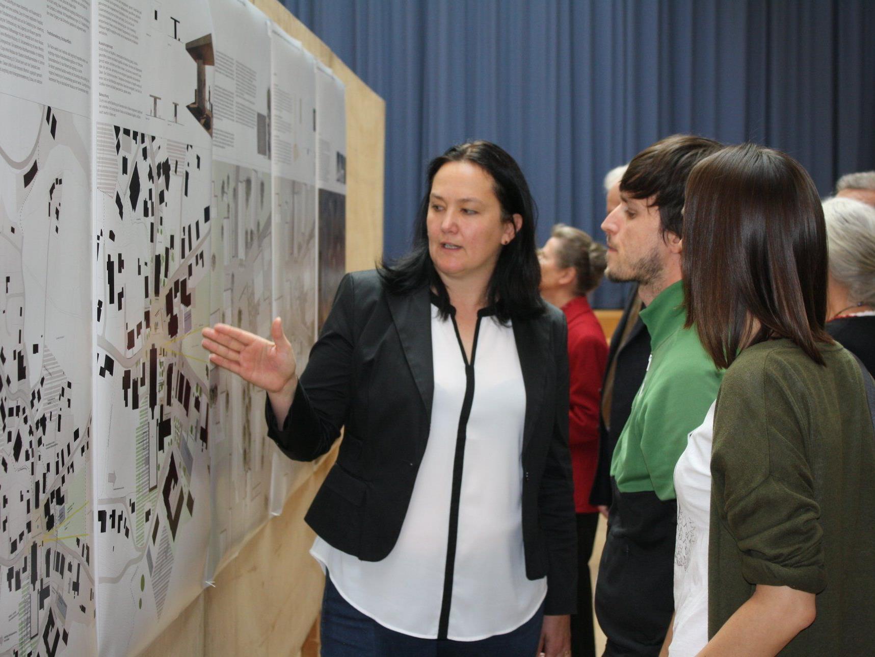Großes Interesse an den Wettbewerbsergebnissen zur Zentrumsentwicklung in Hittisau.