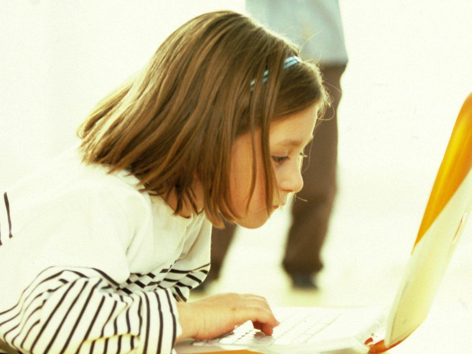 Tablets und Smartphones sind bereits bei Kindern sehr beliebt