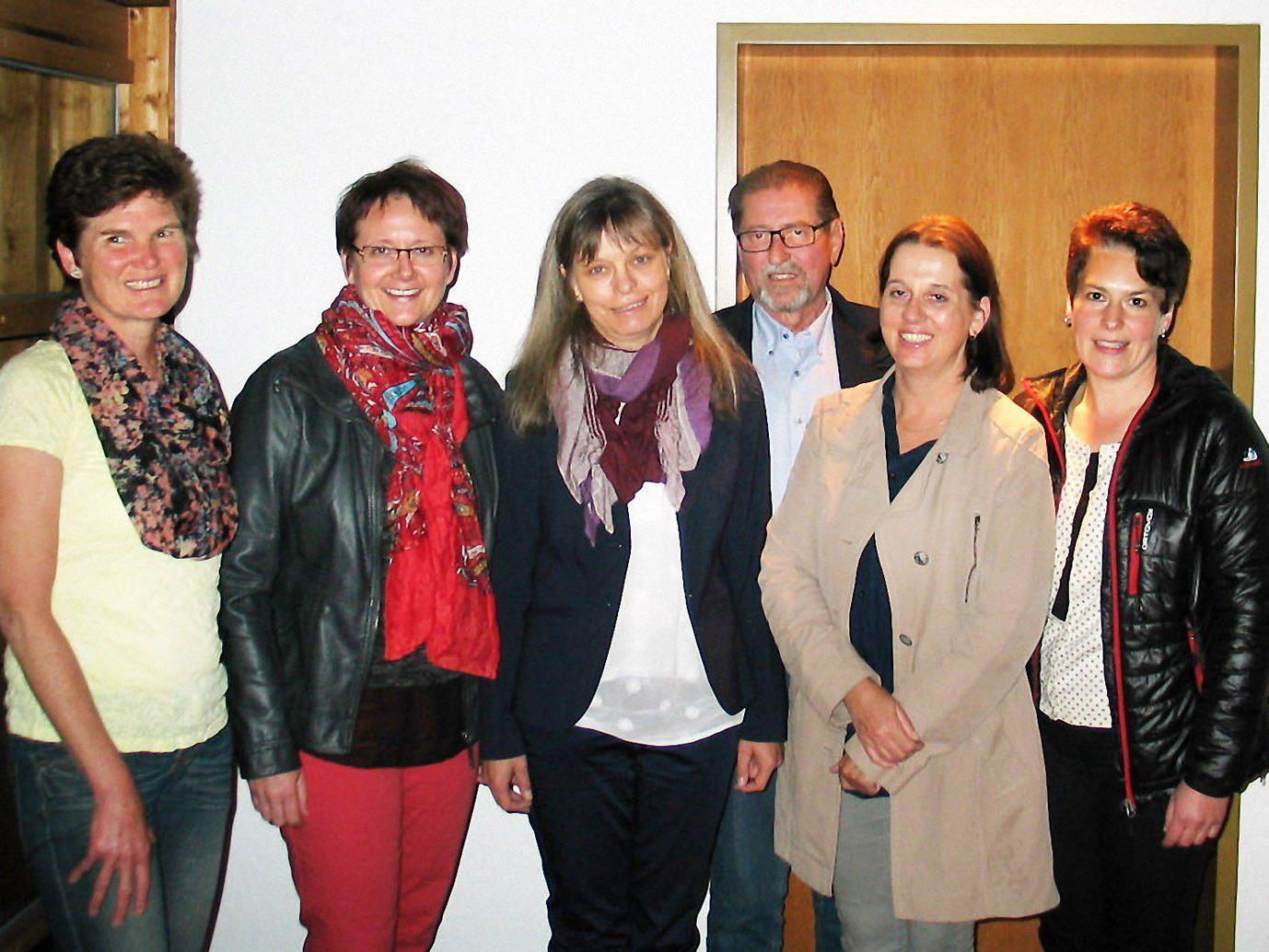 Fünf Mitglieder des Pflegeteams des Krankenpflegevereins Rheindelta mit Obmann Werner Schneider