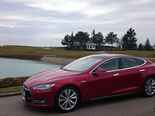 VIENNA.at verlost Fahrten mit dem Tesla S von Greenride.