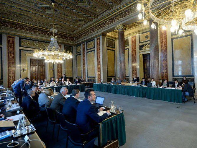 Ein Blick in den Sitzungssaal im Lokal VI vor Beginn einer Sitzung des parlamentarischen Hypo-Untersuchungsausschusses