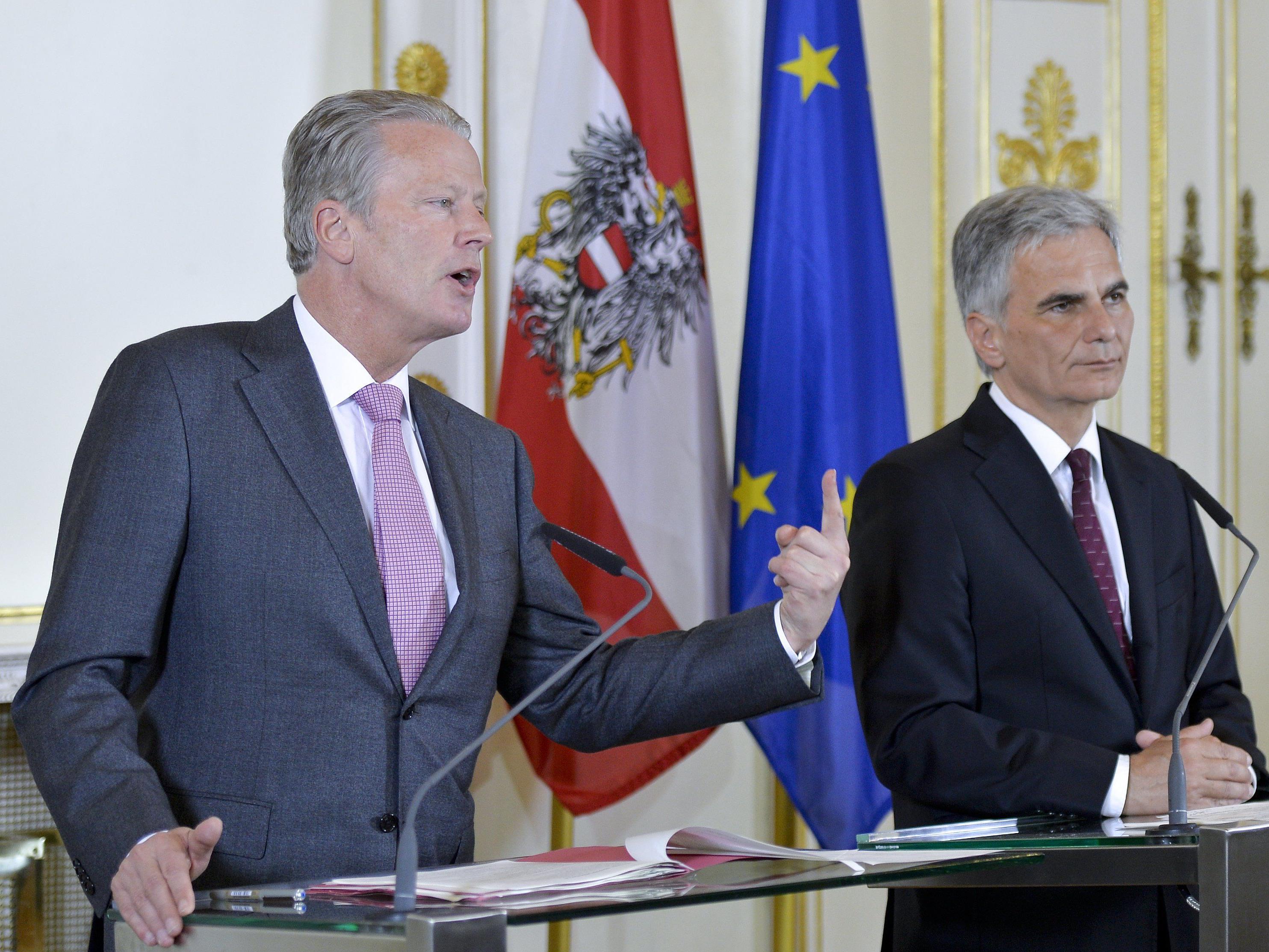 Mitterlehner und Faymann bei der Präsentation der Steuerreform nach dem Ministerrat am Dienstag.