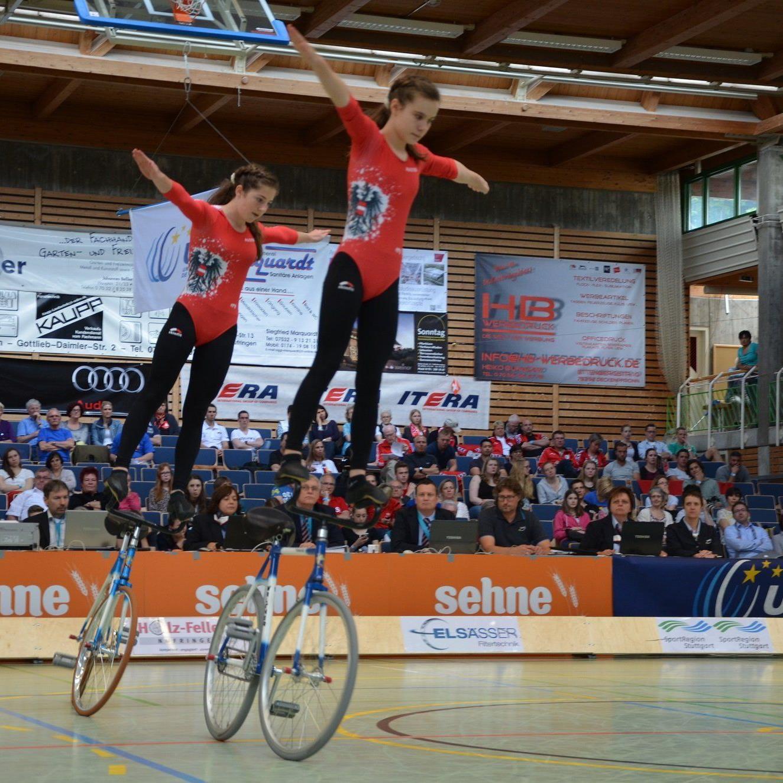 Die Sulznerinnen Rosa Kopf und Svenja Bachmann holen Bronze bei der Premiere