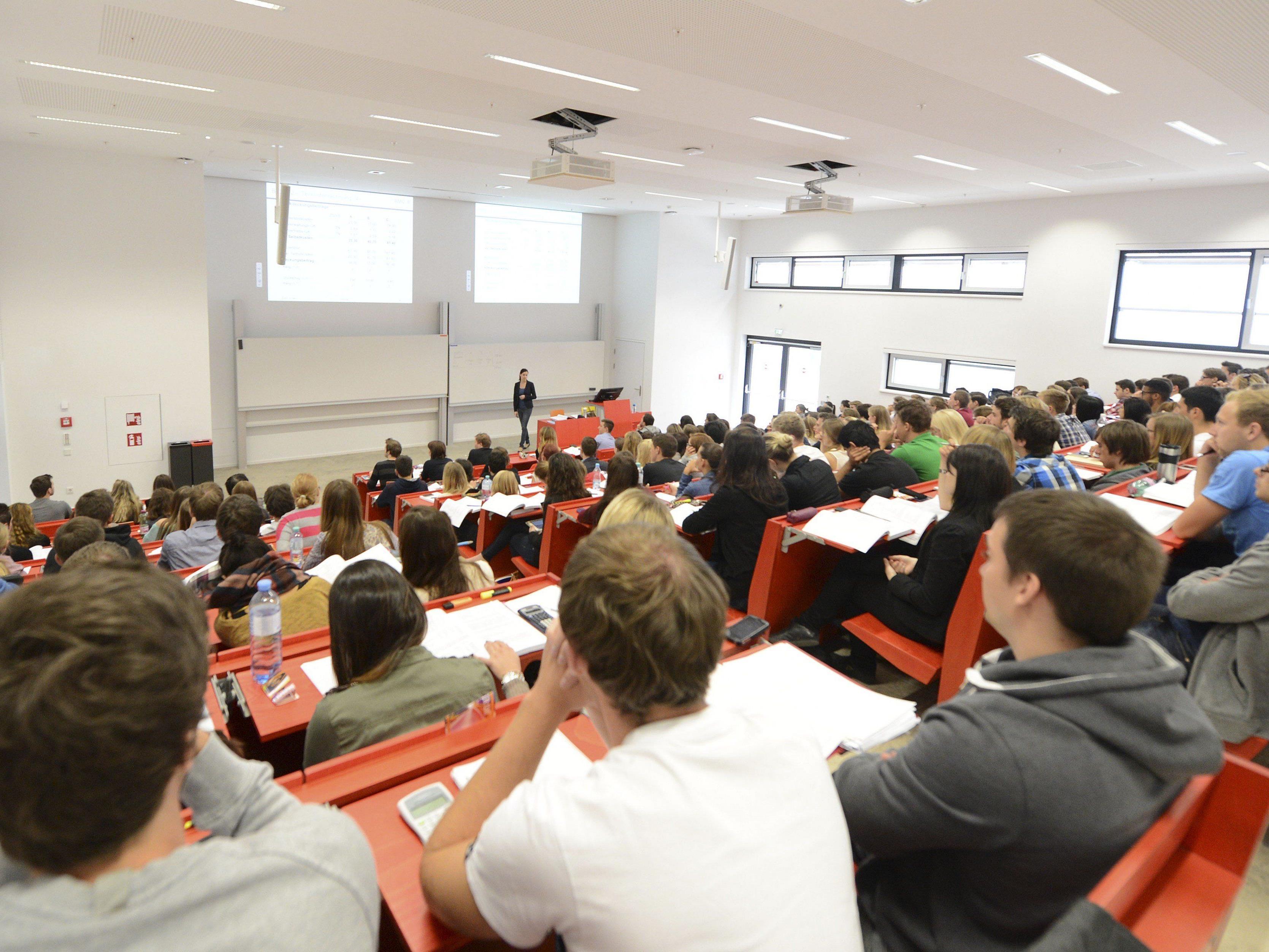 Neue Zugangsbeschränkungen an den Universitäten stehen im Raum.