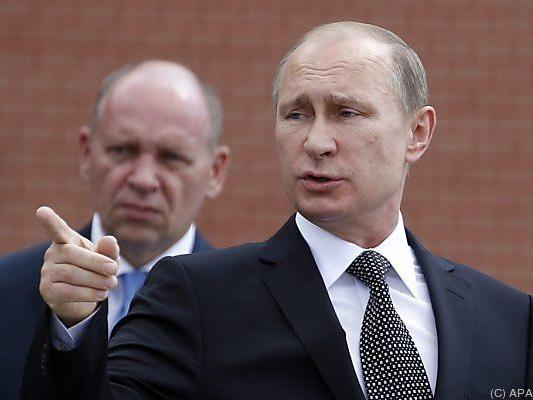 Putin verlängerte Sanktionen, beauftragte Medwedew mit den Details
