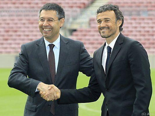 Vor einem Jahr präsentierte Bartomeu den Trainer Enrique
