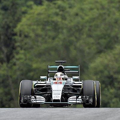 Lewis Hamilton auf Rang zwei