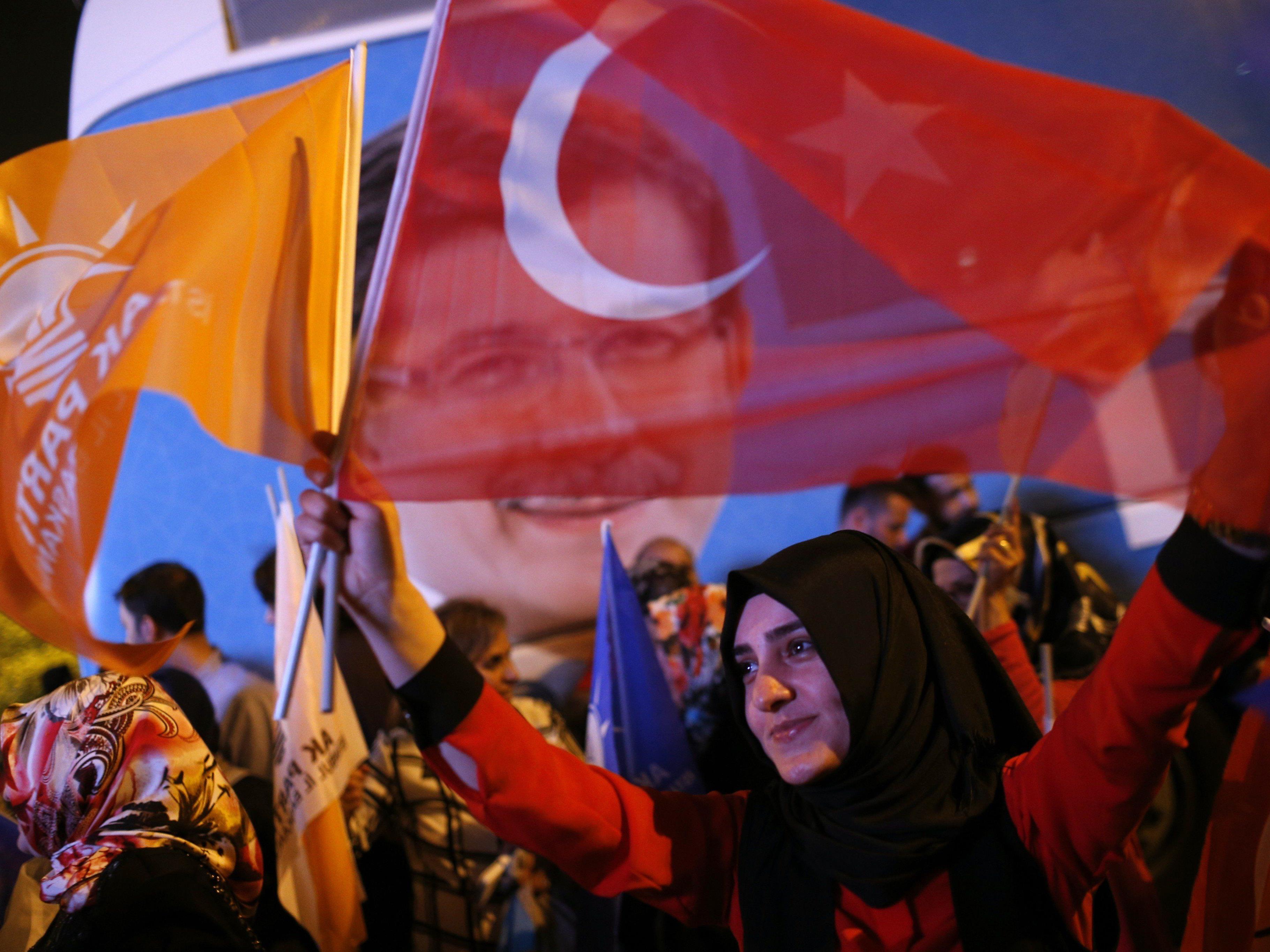 Kurden hoffen nach Wahlsieg der HDP auf Frieden und Wohlstand.