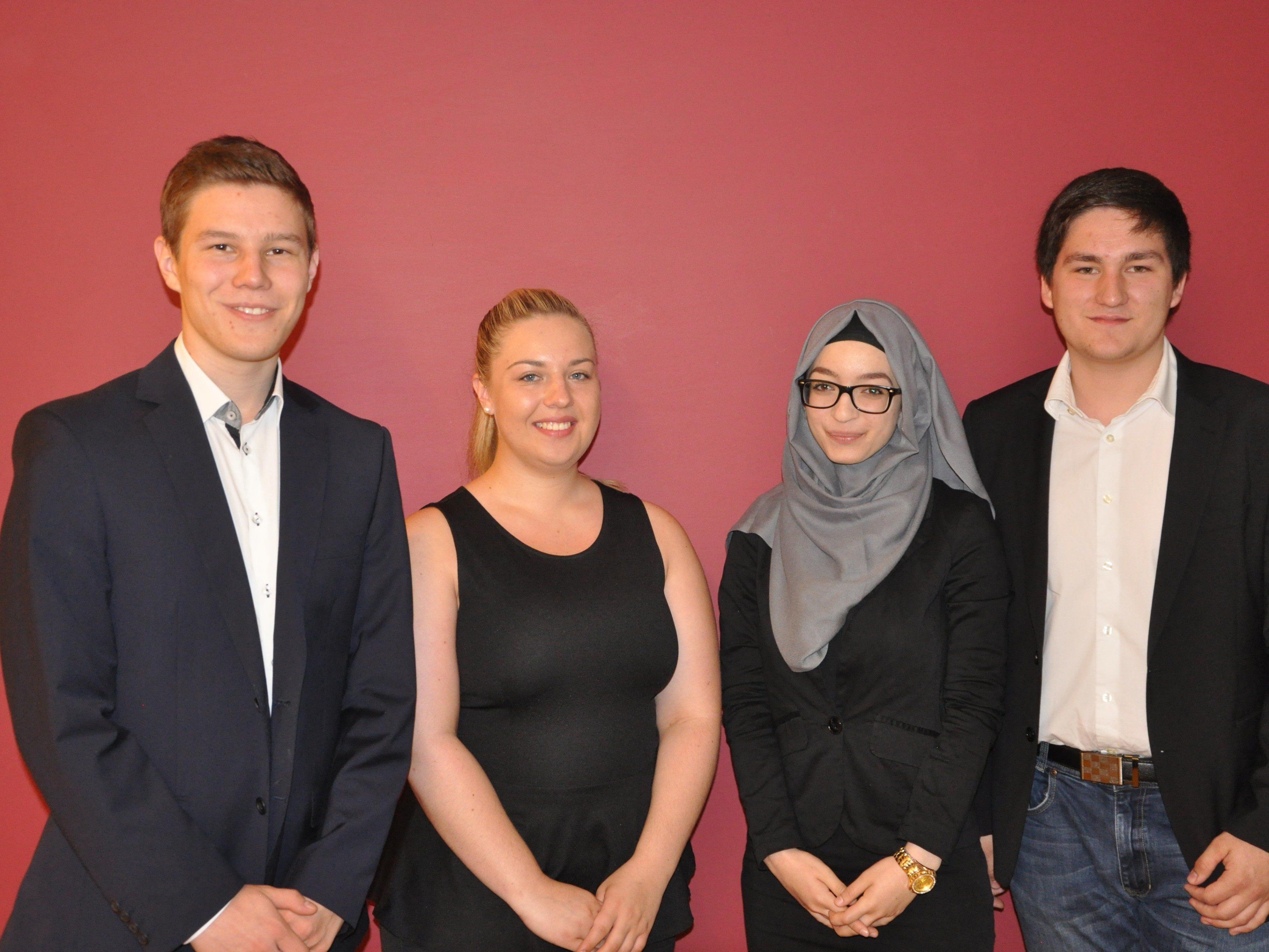 David Röhrich, Elena Mathis, Merve Savgin und Patrick Reis (v.l.) präsentierten ihr Matura Projekt