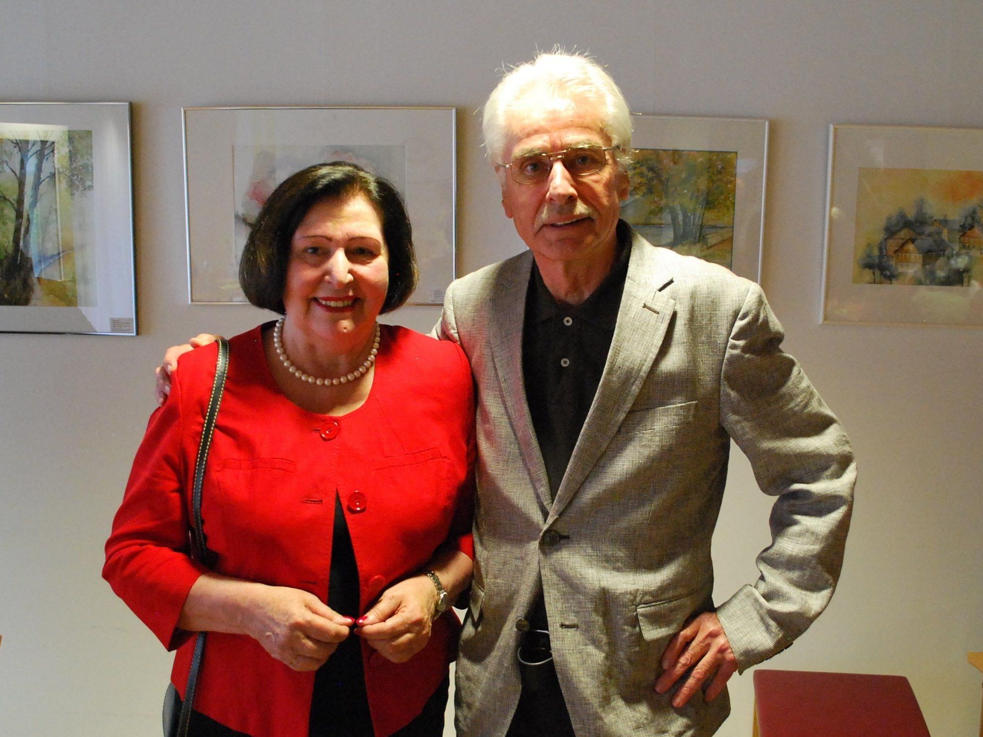 Auch Inge und Heinz Hirner kamen zur Ausstellungseröffnung ins Städtische Seniorenhaus Birkenwiese.