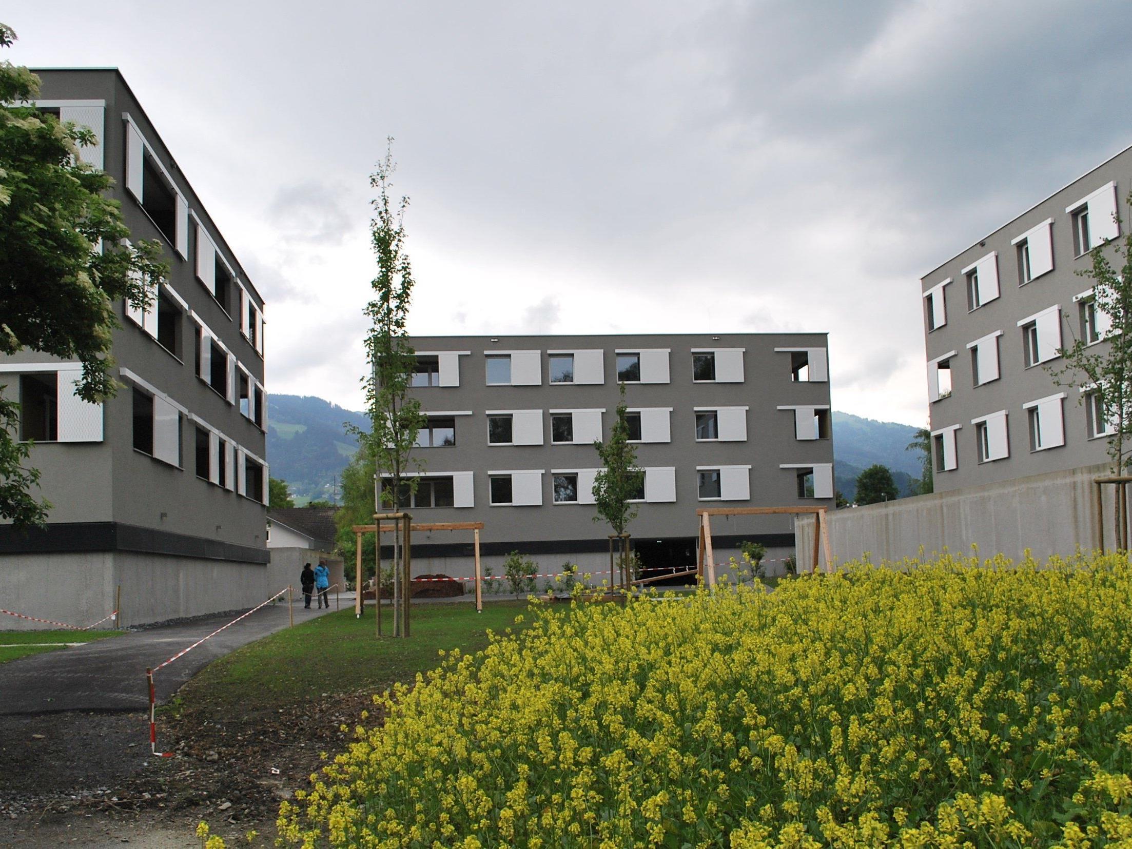 Hohe Wohnqualität: Wohnen ab dem ersten Stock durch Gebäudesockel